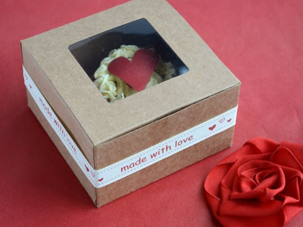Made with love wrapped around perfectly with the kraft window box. Great for cupcakes and yummy goodness! #giftpackaging #giftideas #gifts #gourmet #cupcakes #ribbons #presents #mothersday #love #Barama #giftboxes #wrapping