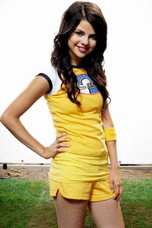 19 Best Selena 08 Disney Channel Games Images On Pinterest Disney Channel Selena Gomez And