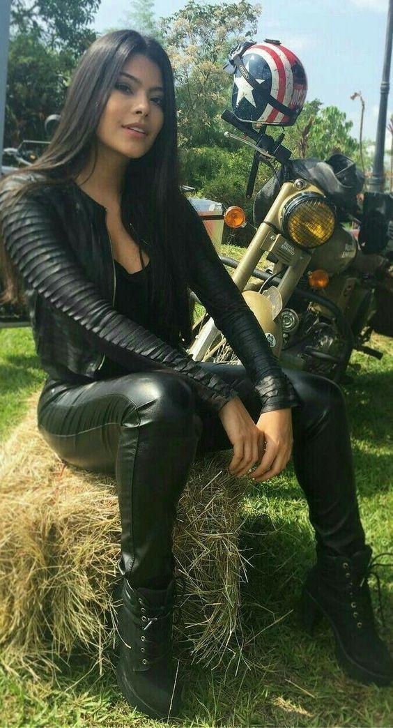 Mädchen und Motorräder blutet bei dem Anblick dieses … check it out … Foll…