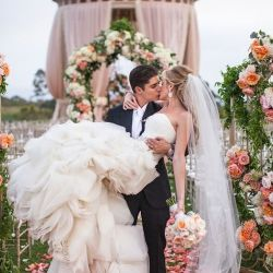 Rromantic and stunning wedding celebrated in California...