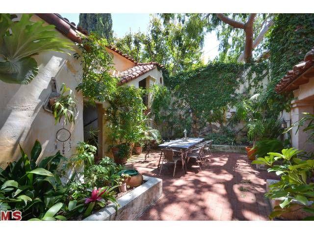 84 best Garden courtyards images on Pinterest | Balconies, Small ...