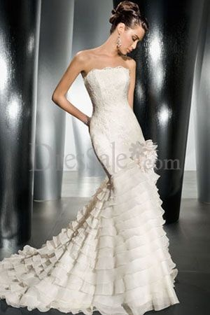 Ruffled Cheap Trumpet Wedding Dresses with Appliques