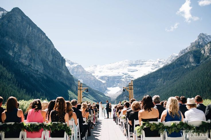 WedLuxe – The Bride Wore Carolina Herrera at this Fairmont Chateau Lake Louise Wedding | Photography By: Heart & Sparrow Photography Follow @WedLuxe for more wedding inspiration!