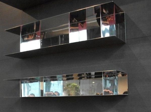 Mensola People  SFIDA: Realizzare un nuovo sistema di mensole ultrasottile a giorno con ripiano senza viti, nel rispetto di un #design moderno, con versatilità di utilizzo (orizzontale o verticale), da produrre just-in-time.