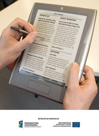 Coraz większa popularność e-booków sprawia, że odkładamy na półki tradycyjne książki! http://katowice.gazeta.pl/katowice/1,35063,16388053,Male_ksiegarnie_wkrotce_beda_padac_jak_kawki.html