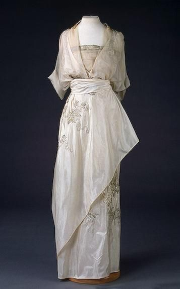 women's fashion 1900-1915 | 1910 - via House of PoLeigh Naise on fb - NEED TO SEW THIS!!!