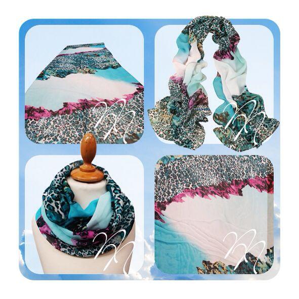 Sjaal in blauw-roze luipaard print. Op www.nocanails.nl