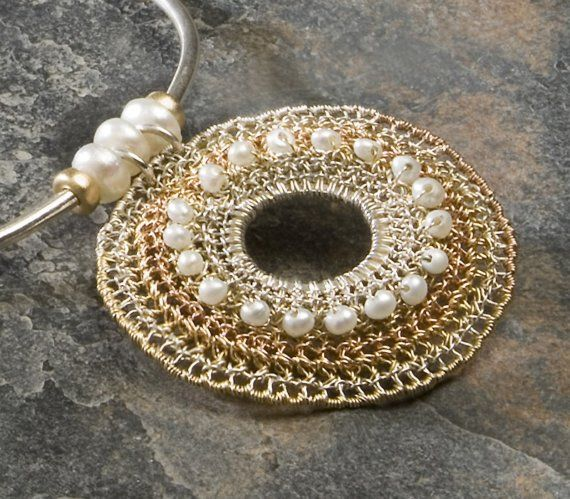 TRICOLORE, Necklace, rose and yellow gold, silver, white pearls Amazing necklace!