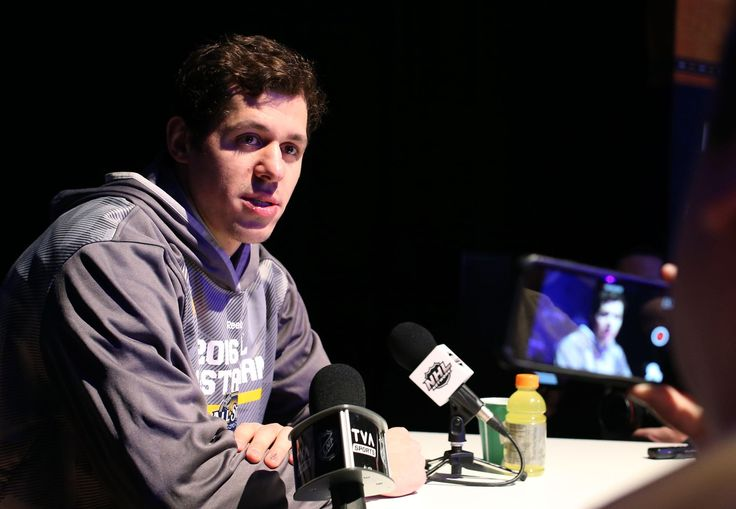 Evgeni Malkin Out Rest of the Week - http://thehockeywriters.com/evgeni-malkin-out-rest-of-the-week/