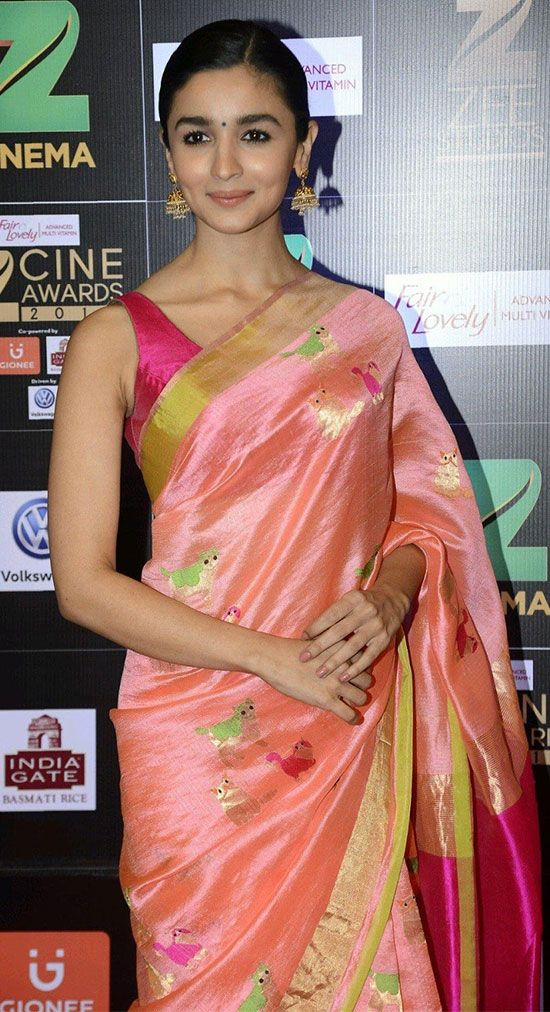 b2d0ce2157d98 7 Graceful Pics of Alia Bhatt In Saree