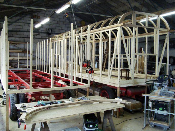 Meisterbetrieb für Holz-Fahrzeugbau - Zirkuswagen, Schaustellerwagen, Waldkindergartenwagen, Holzwohnwagen, Verkaufswagen, Tiny Houses, Bauwagen, Roulottes