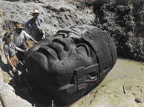 Las cabezas Olmecas, un misterio aún sin resolver  - Las cabezas Olmecas son una de las curiosidades y de los más  grandes misterios que envuelven la historia del continente americano. Sin lugar a dudas, estas esculturas son las piezas más destacadas y características del patrimonio material, que en la actualidad se conserva sobre una de las culturas, que dentro de la historia occidental se sitúa en el ámbito cronológico conocido como Pre-Clásico (5.000-200 a.C), dentro de las llamadas…