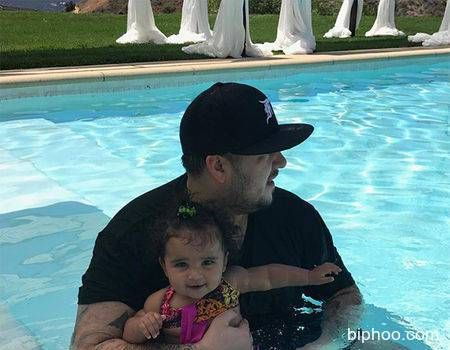 Rob Kardashians Photos With Baby Dream in the Pool Will Melt Your Heart