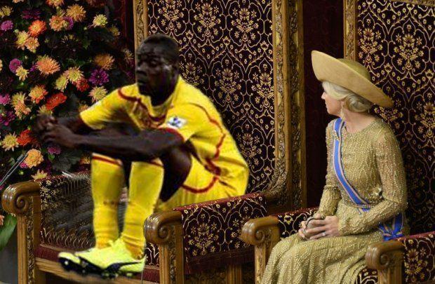 Mario Balotelli siedzi obok królowej na tronie • Śmieszne fotki na DodajZdjęcie • Balotelli towarzyszy królowej • Wejdź i zobacz >>