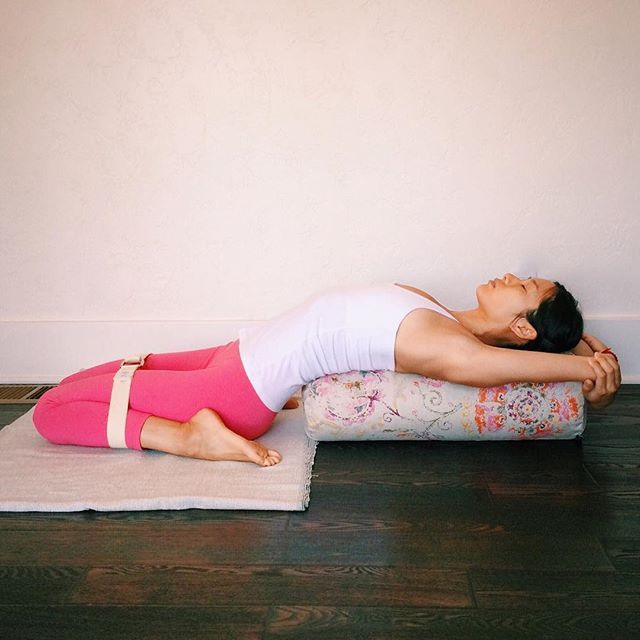 How to make your own Yoga Bolster in 3 Minutes — Lots of Yoga