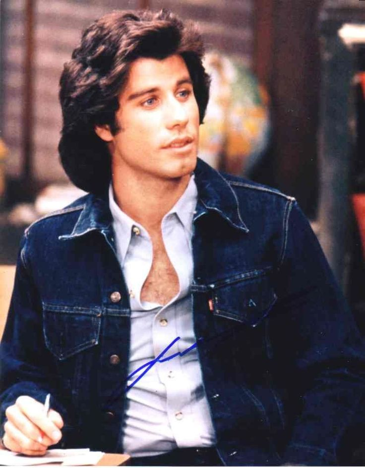 Young John Travolta! I've got chills, they're multiplying :D