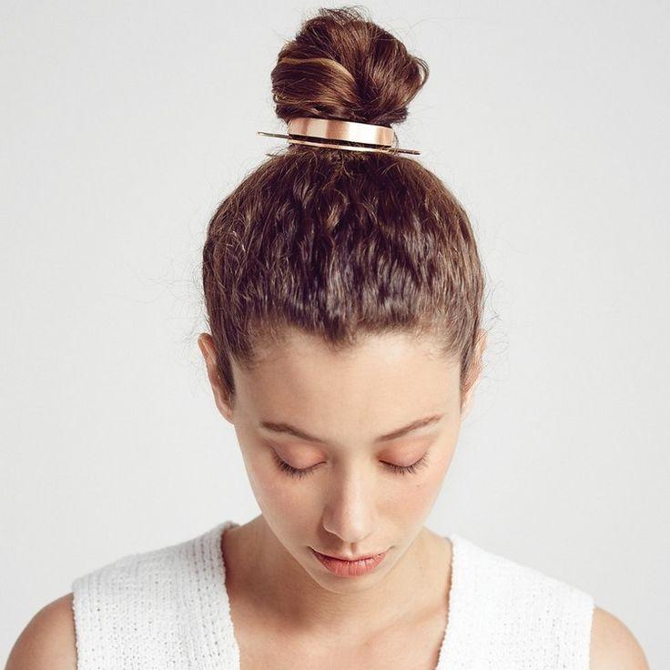 bun cuff metallisch elegante hochsteckfrisur einfach #hairstyles