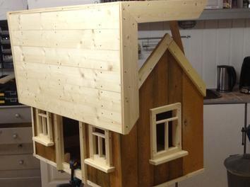 Einbau der Fenster, Dachfertigstellung
