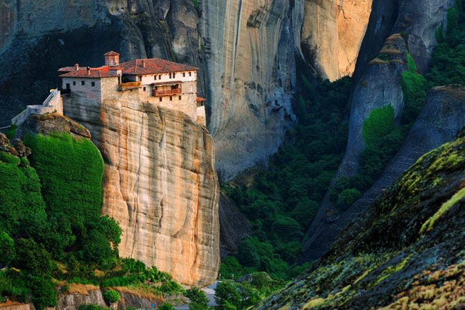 Monasteries of Meteora | The monastic community of Meteora is the second most important community after the one of Agion Oros - © wondergreece.gr