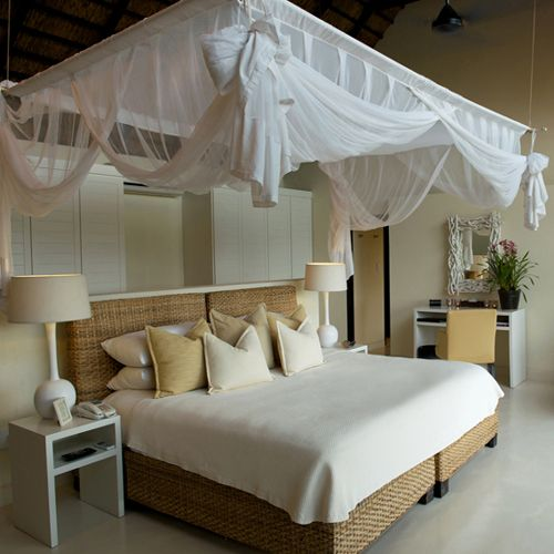 Make Your Bedroom A Romantic Haven Part 3: 224 Best Images About Camas Con Dosel / Canopy Beds On