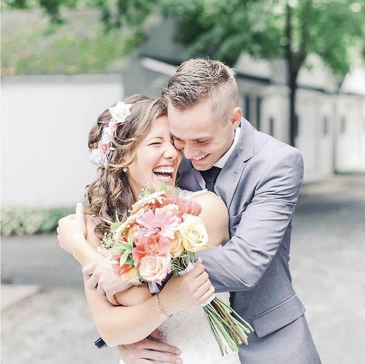 Love candid wedding photos!