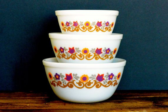 what makes vintage kitchenware valuable out attach