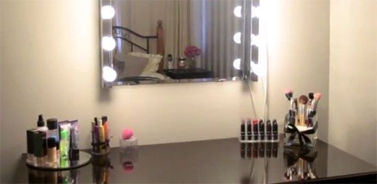 dressing table light mirror ikea dressing room pinterest. Black Bedroom Furniture Sets. Home Design Ideas