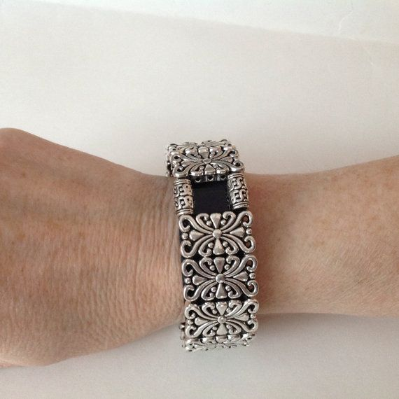 FitBit Charge +HR Bracelet Cover Up: Silver Edinburgh Scroll with Window