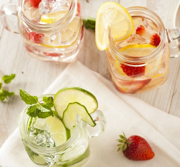Cleanse your body and slim your waist with these refreshing, fat-burning detox waters.