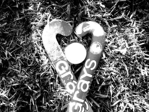 Awww do I pin to field hockey or cool photography ?