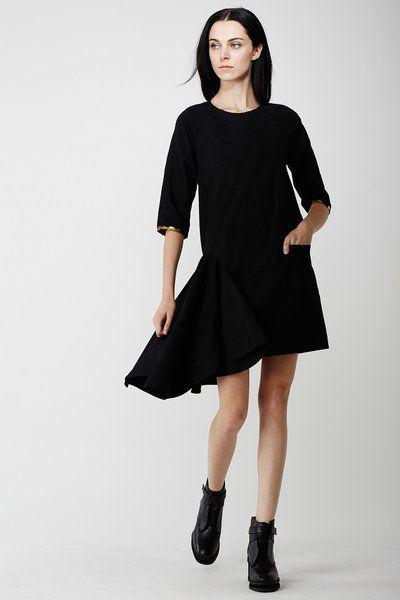 BLACK DRESS / LAURA LAURENS