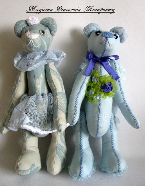 Two blue teddy bears ...