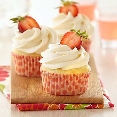 The familiar flavors of strawberry shortcake are found in these decadent Strawberry Shortcake cupcakes.