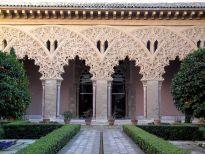 Patio de santa Isabel, en la Alfajería de Zaragoza, construida en época de Taifas por los Banu Hud, como quinta de recreo