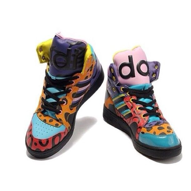 Adidas Jeremy Scott Shoes off at KD 5 Low Store 05