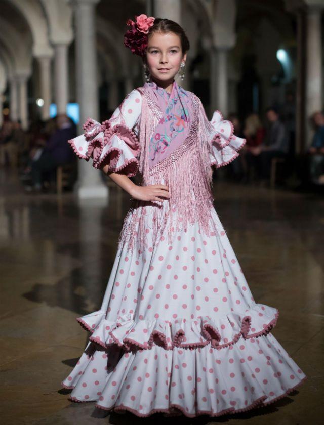 Así Son Los Trajes De Flamenca Para Niñas En 2018 Bulevar Sur Vestido Flamenco Niña Traje Flamenca Niña Vestidos De Flamenca