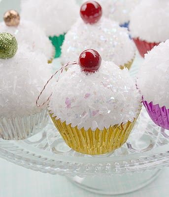 Ornament cupcakes! How sweet is this idea?