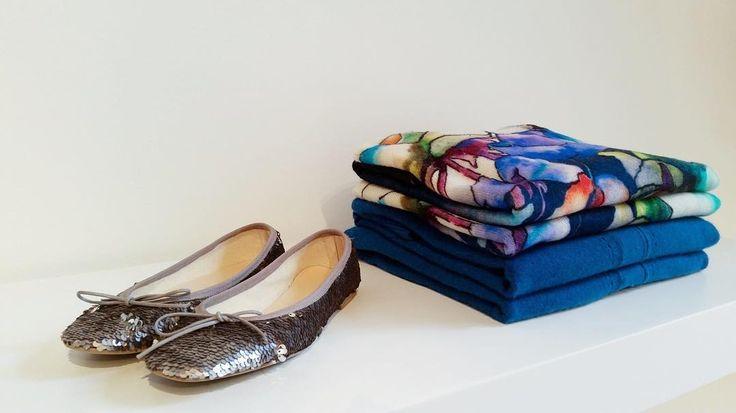 Choose the right accessories for the season!  #paillettes #newcollection #cashmere #ballerina #woman #womanswear #beauty #shop #store #milano #120percento #120cashmere #floral #print #elegance #pontaccio #brera #corsogaribaldi #120 #accessories
