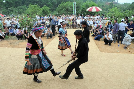 Khen Mong Festival in Dong Van Highland, in Ha Giang Province, Vietnam. If you love the ethnic culture in the North of Vietnam, this is a special chance for you to discover the amazing features in this case. Enjoy wonderful time in the festival also to visit Dong Van Fair on August 30th to September 2nd.