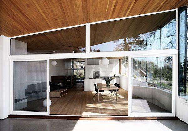 Bellezza nordicaIl bianco, dentro e fuori. Non c'è separazione tra interno ed esterno in questa abitazione di 300 mq a Strand, Norvegia. Un progetto di JVA (Jarmund/Vigsnæs AS Arkitekter MNAL) denominato non a caso