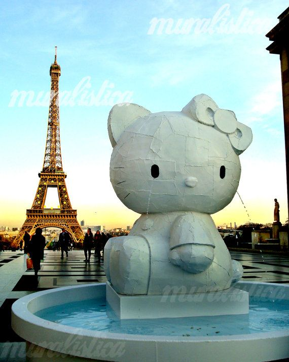 Hello Kitty at the Eiffel Tower