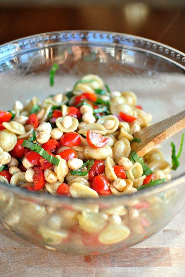 Caprese Pasta Salad // www.SimplyScratch.com