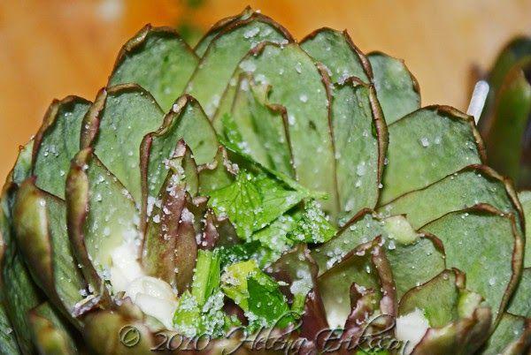 Kronärtskockor på glödbädd (Carciofi alla brace). Sicilianskt recept.