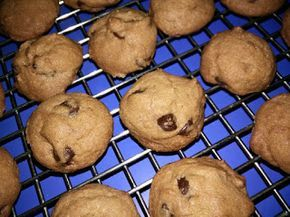 Singapore Home Cooks: 'Famous Amos' Crunchy chocolate chip cookies by Jo...