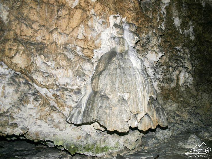 Peșteri din Muntele Tătarul