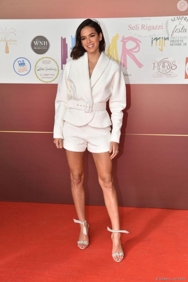 Bruna Marquezine faz 25 anos: confira os looks mais