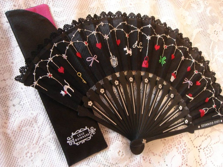 Lulu Guinness fan