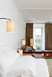 Rooms & Rates - LOUIS HOTEL