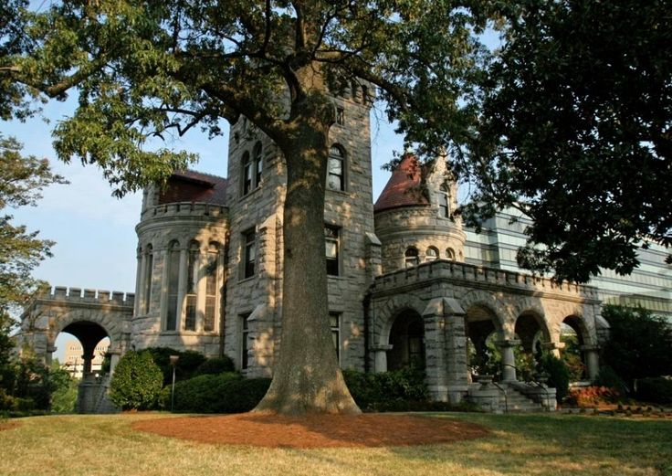 RHODES HALL- The Castle on Peachtree Street was built by furniture magnate Amos Rhodes at the turn of the 20th century. It was a well-known Halloween destination during the 1980s before renovations started on the historic location in the early 1990s. Rumors persist that the house is haunted by Mrs. Rhodes who is said to have died in the home. Paranormal researchers also say children have been heard laughing and that there's an evil spirit that dwells in the home's basement.