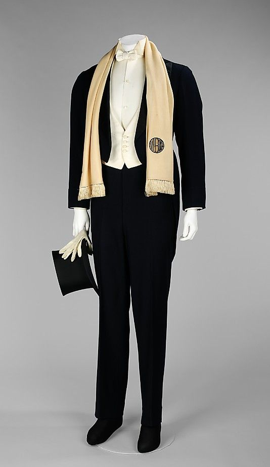 1920s men fashion evening wear - Warbucks Men S Evening Suit Including Scarf Gloves And Top Hat By